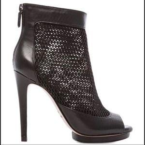 BCBG GINNI peep toe booties in BLACK Size 6